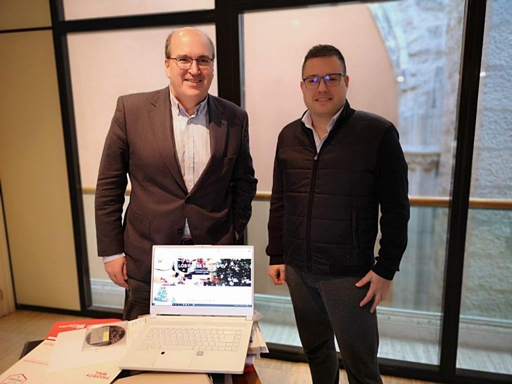 El Director General de Políticas Culturales de la Junta de Castilla y León recibe al Fundador de Los Reyes Magos Tv